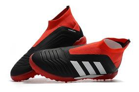 1a731dcbecc3b Chuteiras Adidas Predador Profissional Antigas - Futebol no Mercado Livre  Brasil