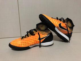 cbdee6d075 Chuteira Society Nike Primeira Linha - Esportes e Fitness no Mercado Livre  Brasil