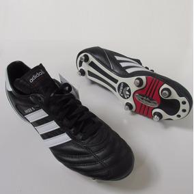 a7328182d807d Chuteira Adidas Mundial Team Couro - Esportes e Fitness no Mercado Livre  Brasil