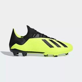 e4c7ee979562c Chuteira Adidas Predator (lançamento) - Esportes e Fitness no Mercado Livre  Brasil