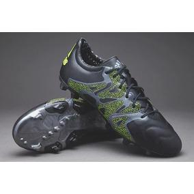 7cd791678bbf3 Chuteira Em Couro Adidas - Chuteiras Adidas para Adultos no Mercado ...