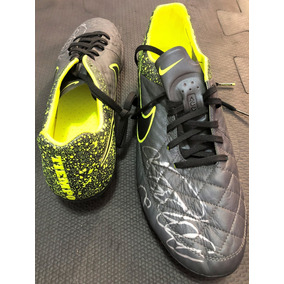 e81e187bcdcd5 Chuteira Nike R9 Ronaldo - Esportes e Fitness no Mercado Livre Brasil