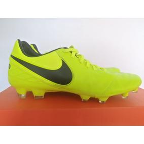 8932ad6a80b30 Chuteira Nike Top 90 - Esportes e Fitness no Mercado Livre Brasil