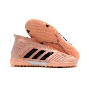 3dbc719ecf Chuteira Adida Predator 18 Society - Chuteiras Adidas para Adultos ...