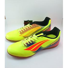 260187eb43e3e Chuteira Futsal Penalty Victoria - Chuteiras para Adultos Amarelo no ...