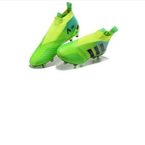 4266536a97349 Chuteira Nike Adida Ultimo - Esportes e Fitness no Mercado Livre Brasil