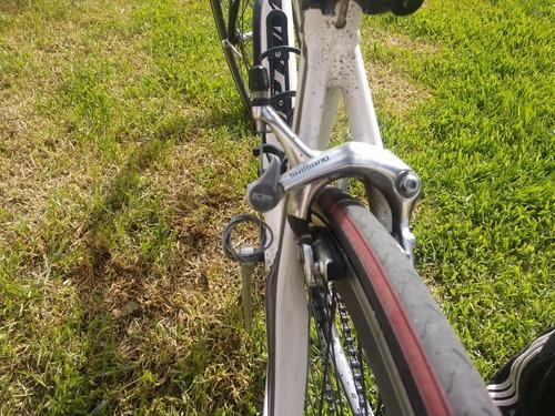 cicla de carreras en perfecto estado