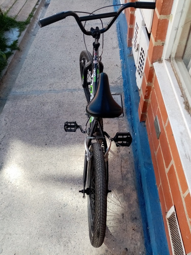 cicla  estilo bmx  120.000