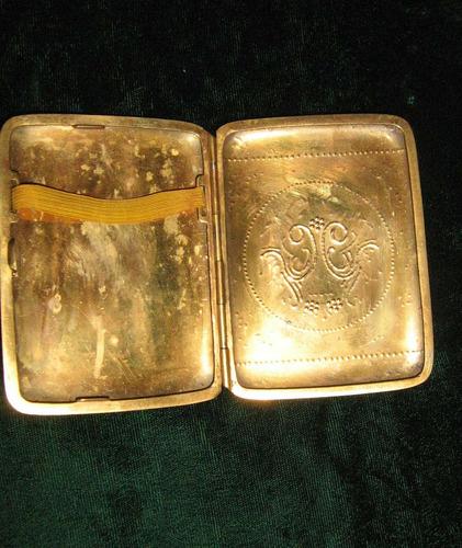 cigarrera en bronce labrada