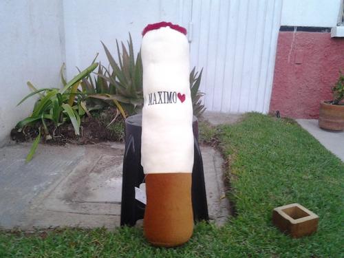 cigarro de peluche grandisimo!.