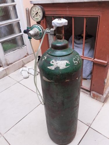 cilindro de oxigênio com válvula redutora