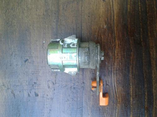 cilindro de puerta delantero derecho toyota sky original