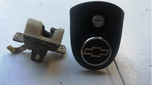 cilindro tapa y cerradura compuerta trasera corsa 2 pu