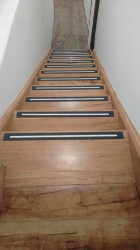 cintas y bandas antideslizantes para escaleras o pisos