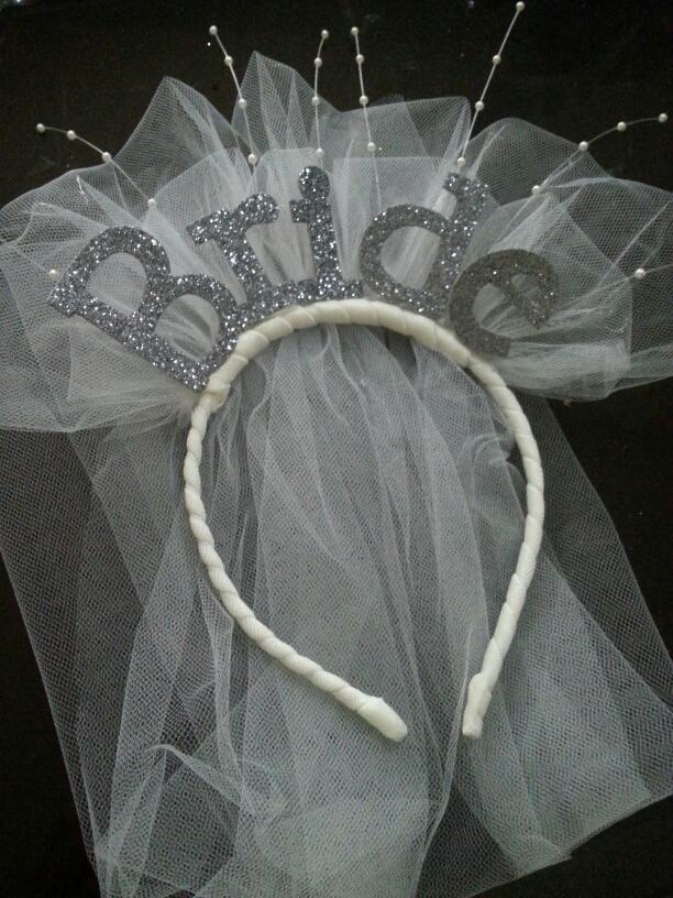 Cintillos Y Bandanas Novia Despedida De Soltera Fiesta Bride - Bs ... 77a417eb6aba