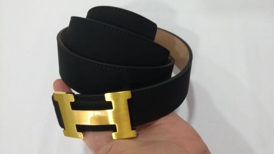 89b64d81b9e Cinto Hermes Couro Preto Com Fivela Prata dourada Lançamento