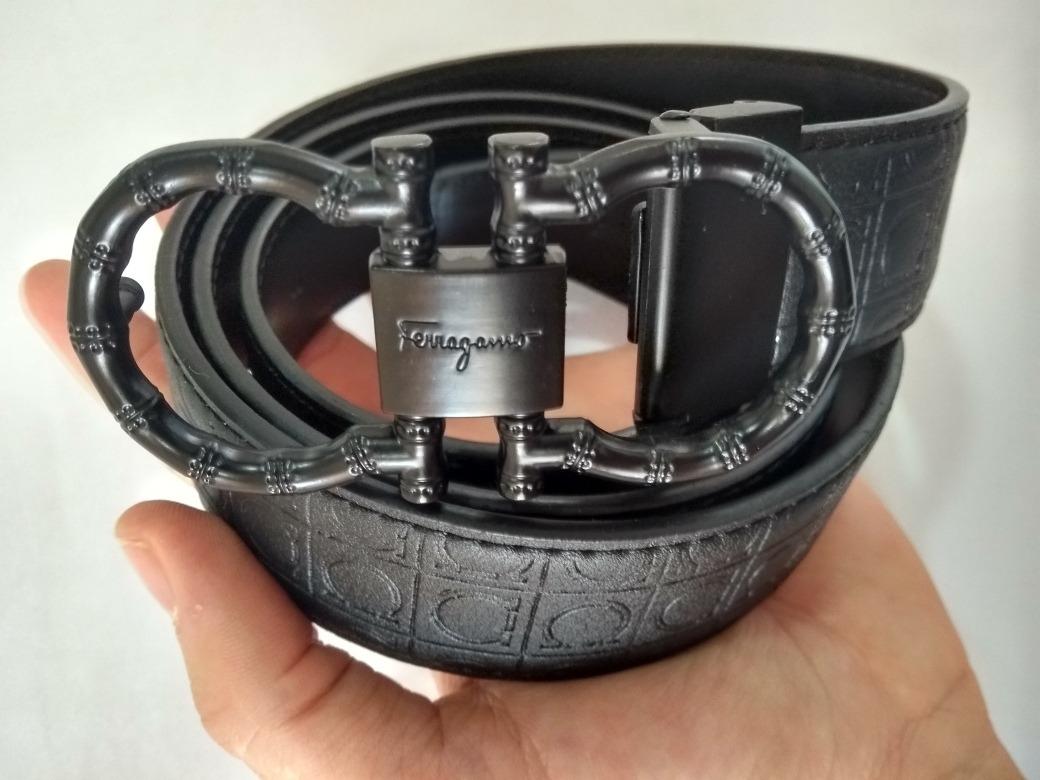b44af36582ba3 cinto salvatore ferragamo preto couro top slim lançamento. Carregando zoom.
