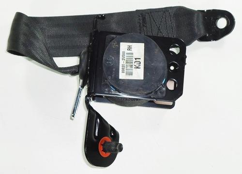 cinto segurança traseiro direito hyudai veloster 898202v000