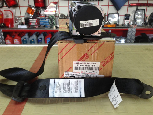 cinturón asiento trasero toyota corolla  2003-2008 original