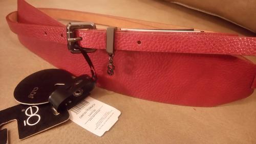 cinturón dama en piel, color vino original de la marca clóe
