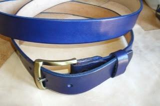 cinturon de cuero color azul a tu medida y llavero de regalo