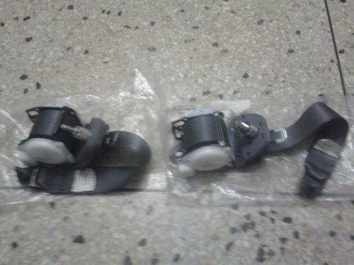 cinturón de seguridad trasero derecho/izquierdo terios 02-07