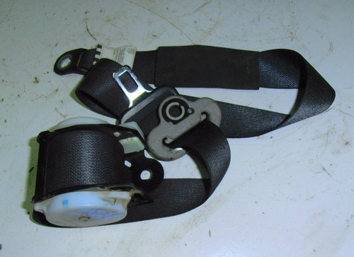 cinturon delantero derecho basico toyota yaris año 2006-2012