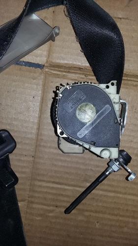 cinturón delantero izquierdo chevrolet astra 2005
