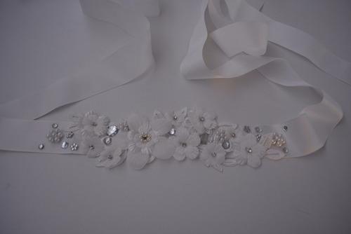 cinturón novia accesorios boda cintillo novia corsage flores