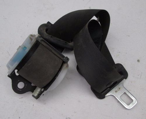 cinturón trasero derecho suzuki swift año 2006-2010