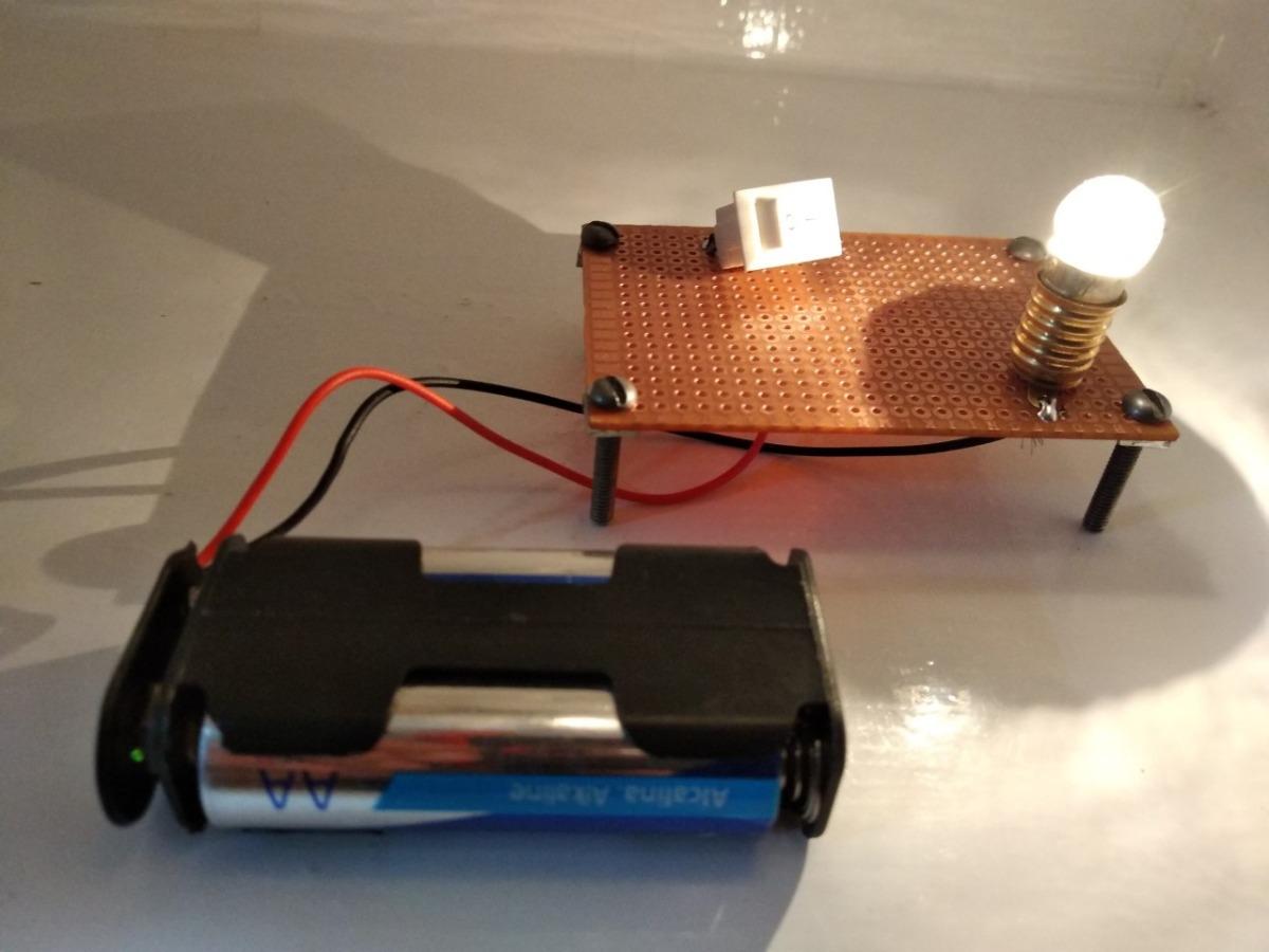 Circuito Electrico Basico : Montaje del circuito