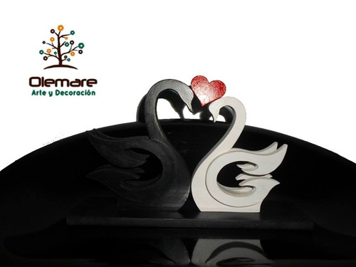 cisnes decorativos enamorados hechos en madera