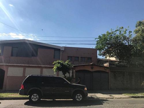 citymax vende casa grande en colonia layco