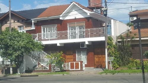 ciudad jardin alquilo  tipo casa en planta alta 2 dormitorios patio terraza propio!! sin animales! f: 7517