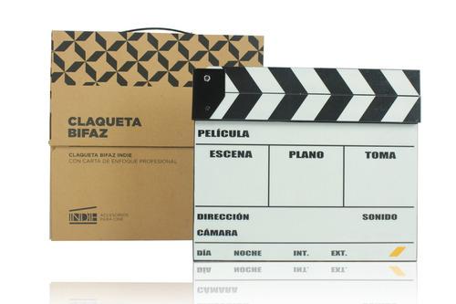 claqueta de cine bifaz con carta de enfoque