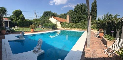 claret z/ mujer urbana! excelente chalet gran parque piscina