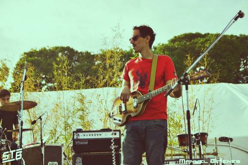 clases de bajo / guitarra (devoto, urquiza, v del parque)
