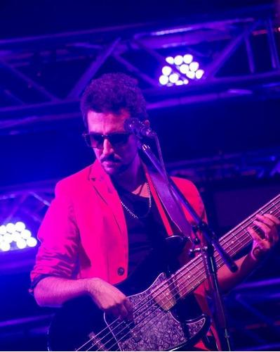 clases de bajo-guitarra-ukelele x skype y zona oeste r mejia