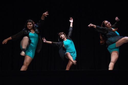 clases de danza, reggaeton, stretching y más!