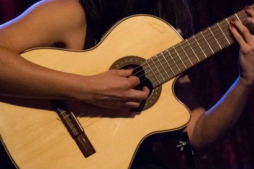 clases de guitarra. bajo, canto, música en caba - san telmo.