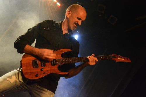 clases de guitarra eléctrica y criolla en villa urquiza