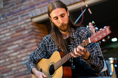 clases de guitarra (tigre-zona norte de gba) claudio delgift