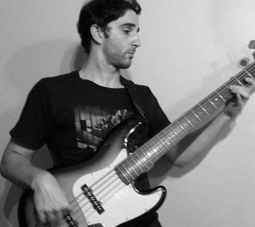 clases de guitarra y bajo  zona oeste, castelar y haedo