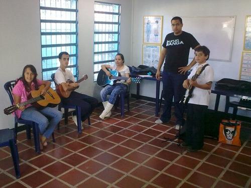clases de guitarra y canto kinder musical a domicilio