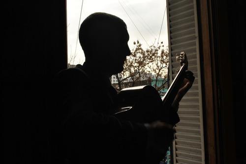 clases de guitarra y lenguaje musical  -online-
