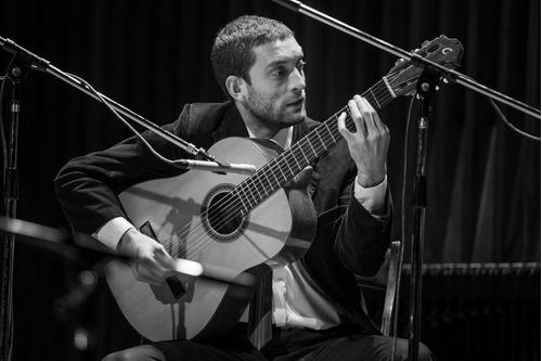 clases de guitarra y lenguaje musical  online/presencial