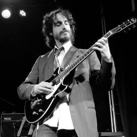 clases de guitarra y ukelele principiantes e intermedios