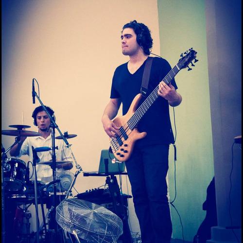 clases de guitarra/bajo ballester/villa adelina
