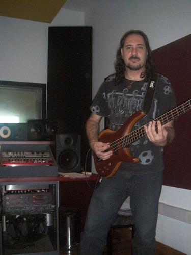 clases de guitarra,de bajo, de canto, de ukelele( mes 750 $)