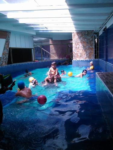clases de natación infantil